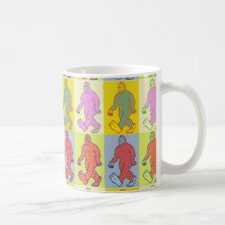 ポップアートのサスカッチのマグ コーヒーマグカップ