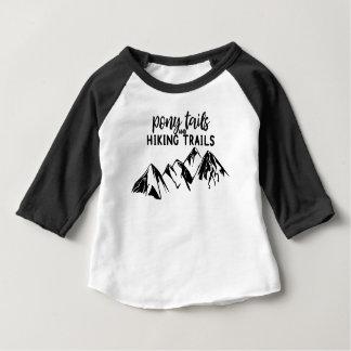 ポニーテールおよびハイキングコース ベビーTシャツ
