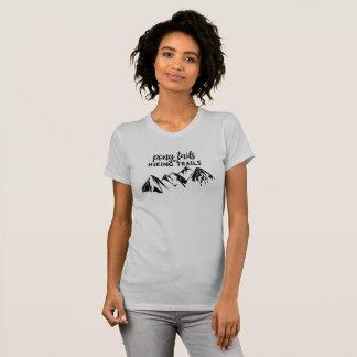 ポニーテールおよびハイキングコース Tシャツ
