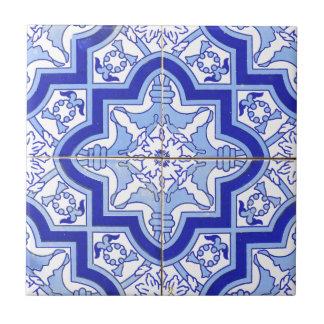 ポルトガルのタイルの青および白 タイル