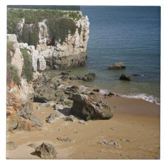 ポルトガル、Cascais。 プライアda Rainhaのビーチ タイル