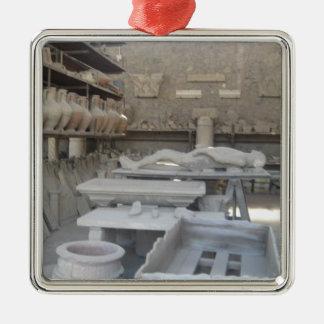 ポンペイの陶器部屋 シルバーカラー正方形オーナメント