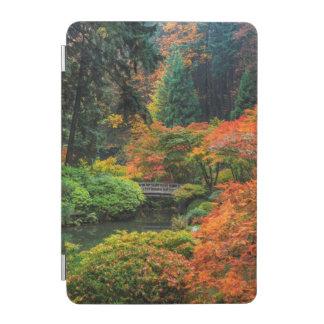 ポートランド、オレゴン5の秋の日本のな庭 iPad MINIカバー