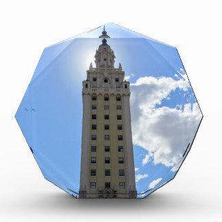 マイアミのキューバの自由タワー 表彰盾