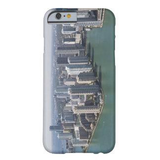 マイアミのスカイライン2 BARELY THERE iPhone 6 ケース