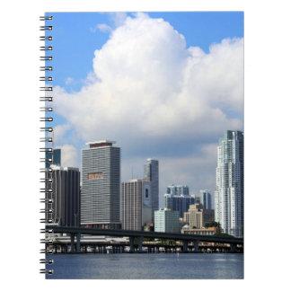 マイアミの水辺地帯の眺め ノートブック