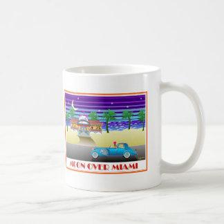 マイアミ上の月 コーヒーマグカップ