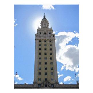 マイアミ4のキューバの自由タワー レターヘッド