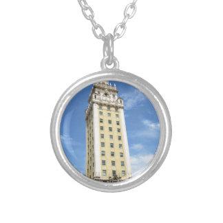 マイアミ6のキューバの自由タワー シルバープレートネックレス