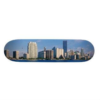 マイアミ、フロリダのスカイライン 18.1CM オールドスクールスケートボードデッキ