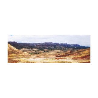 マイルのための色彩の鮮やかな丘 キャンバスプリント