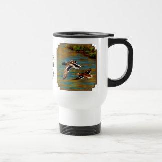 マガモは池上の飛行を引込めます トラベルマグ