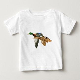 マガモ飛行 ベビーTシャツ