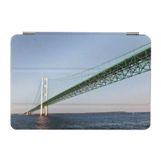 マキナック橋の下の航海 iPad MINIカバー
