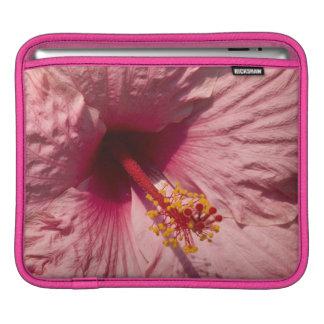 マクロピンクのハイビスカスの花 iPadスリーブ