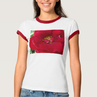 マクロ赤いバラ Tシャツ