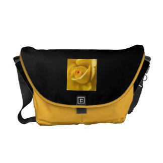 マクロ黄色バラ メッセンジャーバッグ
