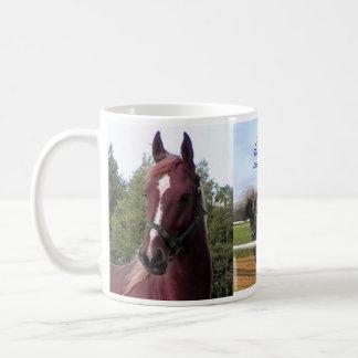 マグのまわりのちょうどHorsing コーヒーマグカップ