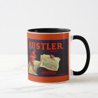 マグの~のヴィンテージのバートレットナシの木枠のラベルの~のハスラー マグカップ