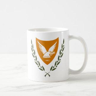 マグキプロスの紋章付き外衣 コーヒーマグカップ