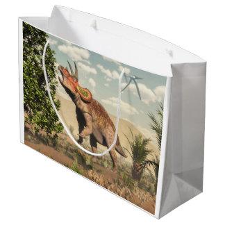 マグノリアの木のトリケラトプスの食べ物- 3Dは描写します ラージペーパーバッグ