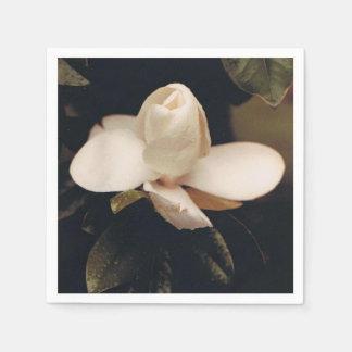マグノリアの花のデザインのカクテルのナプキン スタンダードカクテルナプキン