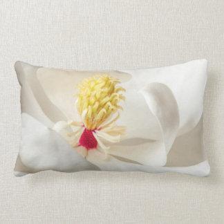 マグノリアの花の白いマグノリアの花柄の花 ランバークッション