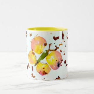 マグ黄色いスタイリッシュで多彩な蝶コーヒーか茶 ツートーンマグカップ