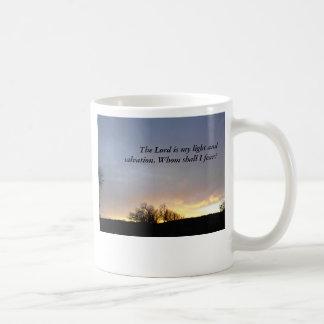 マグ、たそがれの空、木 コーヒーマグカップ