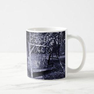 マグ-国の木の振動-青 コーヒーマグカップ