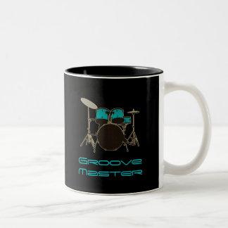 マスターのドラマーの~のドラムおよび音楽マグに溝を作って下さい ツートーンマグカップ
