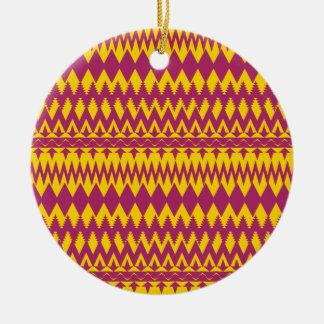 マゼンタおよびマスタード種族パターンデザイン 陶器製丸型オーナメント