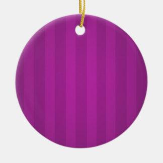 マゼンタのストライプのクリスマスの名前入りなオーナメント 陶器製丸型オーナメント