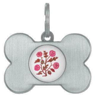 マゼンタのヴィンテージの刺繍のスタイルの花 ペットネームタグ