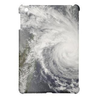 マダガスカルに近づいている熱帯低気圧イヴァン iPad MINIケース