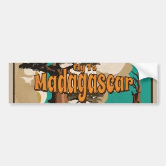 マダガスカルのヴィンテージの休暇ポスターへのはえ バンパーステッカー