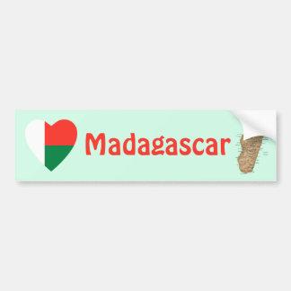 マダガスカルの旗のハート + 地図のバンパーステッカー バンパーステッカー