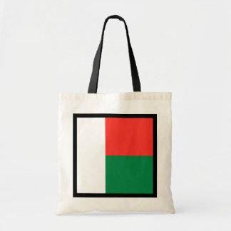 マダガスカルの旗のバッグ トートバッグ