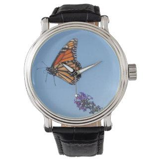 マダラチョウの飛行中に腕時計 腕時計