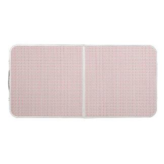 マットおよびピンクの正方形が付いているビールPongのテーブルのプリント ビアポンテーブル