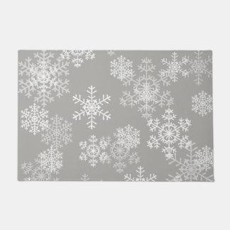 マット灰色クリスマスの雪片のドア ドアマット