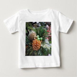 マツ円錐形 ベビーTシャツ