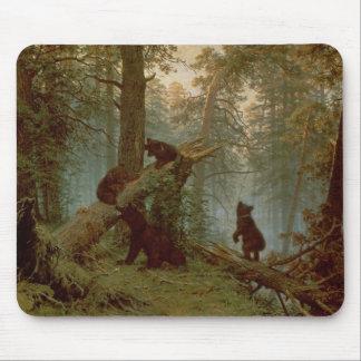 マツ森林の朝、1889年 マウスパッド