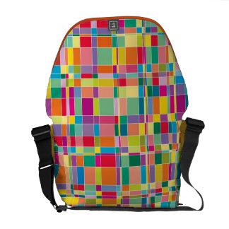 マトリックスの正方形のモザイク色パターン芸術のバッグ クーリエバッグ