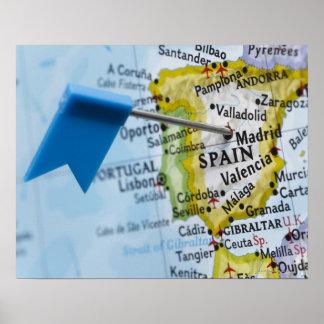 マドリード、地図、クローズアップのスペインに置かれるピンの地図を描いて下さい ポスター