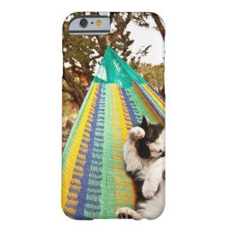 マヤのメキシコハンモックにあっている猫 BARELY THERE iPhone 6 ケース