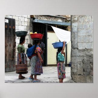 マヤの女性、アンチグア、グアテマラ ポスター