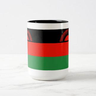 マラウィの旗のマグ ツートーンマグカップ