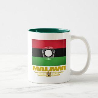 マラウィの旗 ツートーンマグカップ