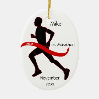 マラソン選手のオーナメント-男性の赤 セラミックオーナメント